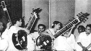 Video Smt  Annapurna & Pt  Ravi Shankar, Surbahar and  Sitar, - Yaman Kalyan MP3, 3GP, MP4, WEBM, AVI, FLV Oktober 2018