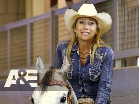 Rodeo Girls: The Rookies Try To Win The Barrel Race (Season 1, Episode 1) | A&E
