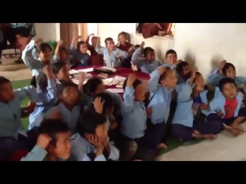 Xx nepal xx - Nepal 2013 Jannie en duppie geven les.