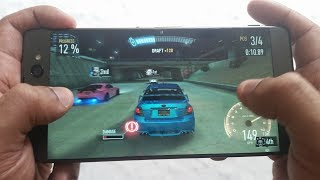 Sony Xperia XA Ultra Gaming ReviewThis phone handles games well also it doesnt get hot but 1 thing i didnt like is the screens not as responsive as i would like it to be apart from that its great for gaming