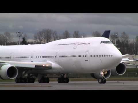 Взлет первого с 2005 года нового лайнера Boeing 747 - Центр транспортных стратегий