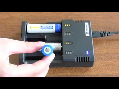 Видео Интеллектуальное зарядное устройство NiteCore Intellicharger i4 v2