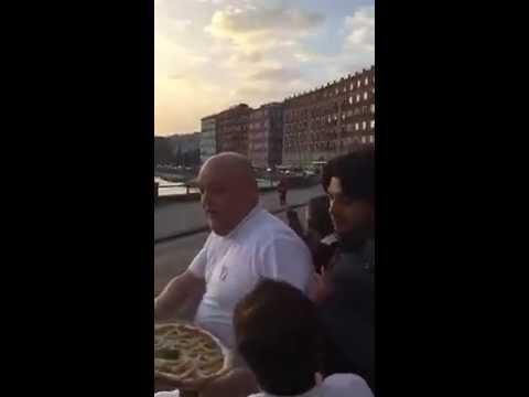 Μια πίτσα για τον Πάπα!