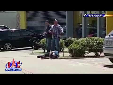 Em Araraquara, bandido é baleado durante assalto - Jornal da Clube 2ª Edição (03/04/2017)
