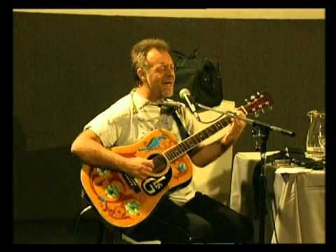 León Gieco video Maturana - En vivo 2000