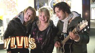I Kveld Med Ylvis - Synger For Fulle Folk