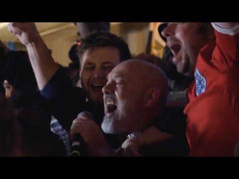 FAT LES PERFORMS VINDALOO  | Tunisia 1 England 2 | World Cup 2018