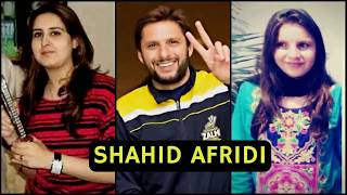 top Pakistani best cricketers and their wives and families