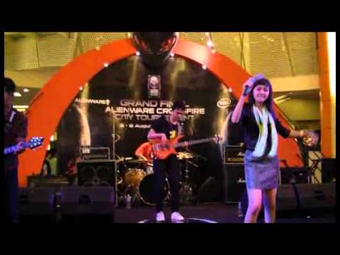 Shazlin Patria - Puisi tentangmu  at Alienware - Pluit Junction.mp4