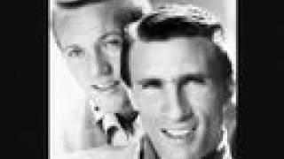 Video Righteous Brothers - Unchained Melody (High Quality) MP3, 3GP, MP4, WEBM, AVI, FLV Agustus 2018