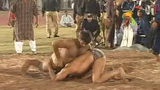 Video Stinder Singh Pahelwaan Beats Pakistani Shahid Khoye Wala Pahelwaan (Desi Wrestling) download in MP3, 3GP, MP4, WEBM, AVI, FLV January 2017