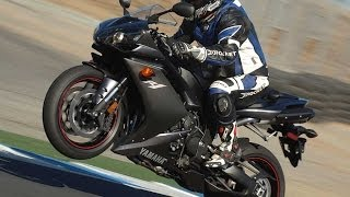 9. 2007 Yamaha YZF-R1 First Ride - MotoUSA
