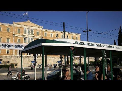 Οι τουρίστες «ψηφίζουν» Ελλάδα παρά την αβεβαιότητα