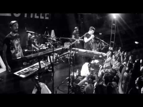 Haunt Live at the Troubadour