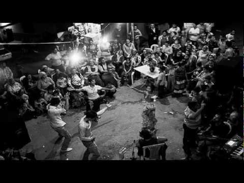 klarnetli oyun havaları - Klarnet ile oyun havası.. Fotolar: Aine'ye ait olup, Ankara'da bir Roman düğünündendir..