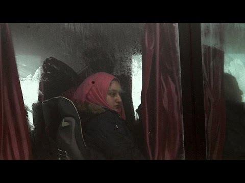 Με λεωφορεία απομακρύνονται σιίτες από πολιορκούμενες περιοχές στην Ιντλίμπ