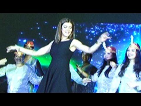 Sushmita Sen Dances With Kids At A School Event