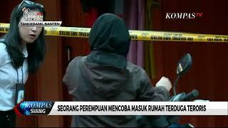 Video Seorang Perempuan Mencoba Masuk Rumah Terduga Teroris MP3, 3GP, MP4, WEBM, AVI, FLV Mei 2018