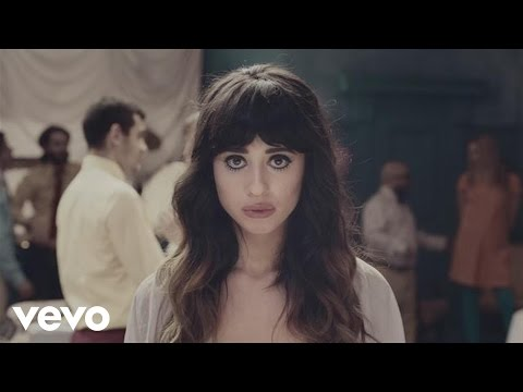 Foxes – Holding onto Heaven