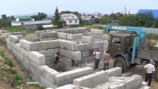 Как построить дом: фундаментные блоки ФБС