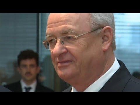 Diesel-Skandal: Anklage gegen früheren VW-Chef Martin ...