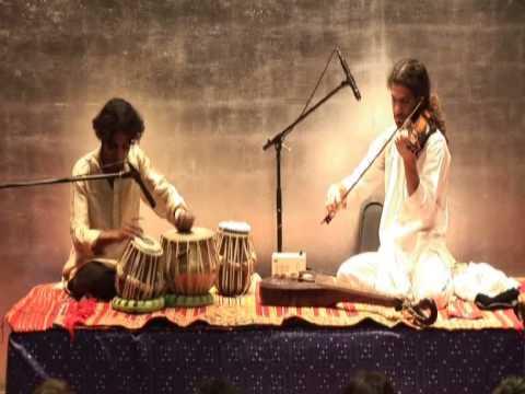 Üsküdar - Canción Turca - Ido Segal - Violín , Niraj Kumar - Tabla:  Concierto en Espacio Ronda , Madrid 2008www.idosegal.comwww.facebook.com/IdoSegalMusic