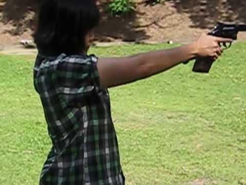 ปืนลูกโม่ - My daughter.