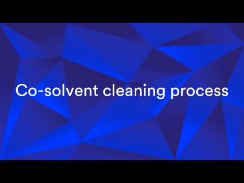 Mono-solvent and co-solvent cleaning process