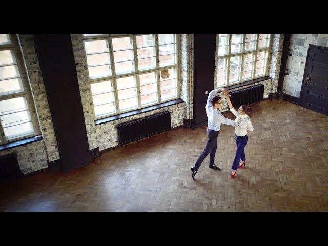 Viennese waltz  -  La Valse D'Amelie. PIERWSZY TANIEC do muzyki z filmu Amelia. Wedding dance choreography.