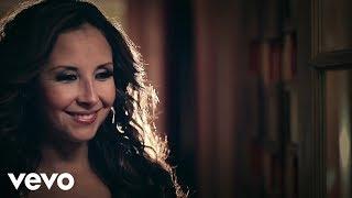 video y letra de Por que el amor manda por America sierra