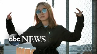 Video Who's behind the internet's 'youngest flexer,' 9-year-old 'Lil Tay'? MP3, 3GP, MP4, WEBM, AVI, FLV Mei 2018