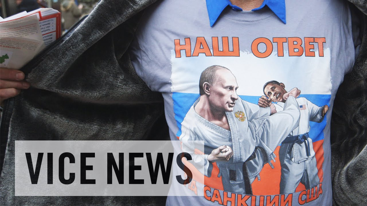 Thousands Attend Pro-Putin Rally in Moscow