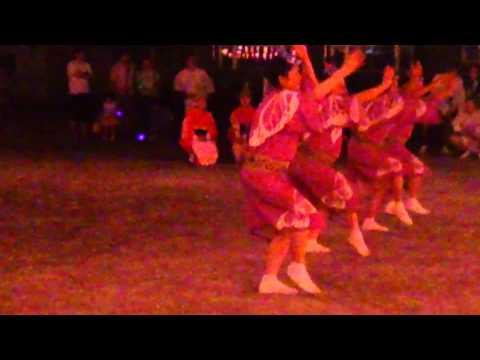 江戸川区篠崎小学校の校庭で、盆踊り