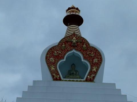 Buddijskaia stupa Prosvetleniia