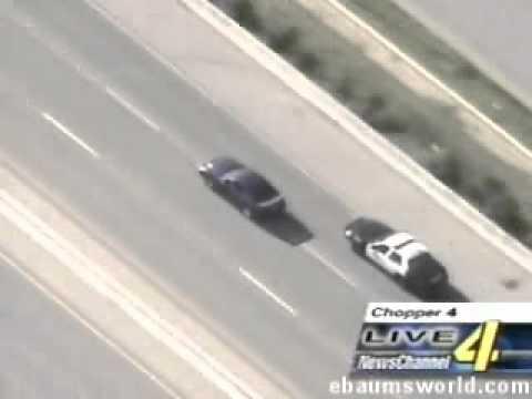美國公路騎警攔截野馬跑車極速狂飆,真是太威了!