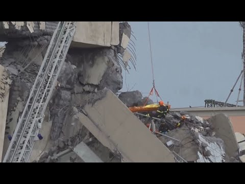 ITALIAN BRIDGE COLLAPSE: Raw video of deadly Italian bridge collapse in Genoa