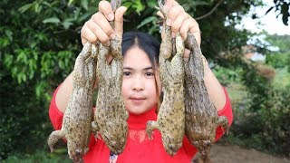 Video Awesome Cooking Frog Soup Delicious Recipe - Cook Frog Recipes - Village Food Factory MP3, 3GP, MP4, WEBM, AVI, FLV Agustus 2017