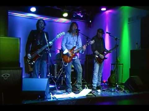 """HIGHWIRE live, caught in the act,  plays """"Stay In Time"""" by Off Broadway"""