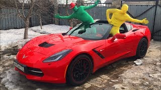 Green Man VS Yellow Man on Sport Car w/ Started Funny Race on Convertible Corvette for Kids