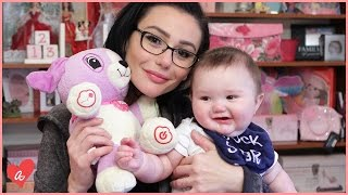Snooki & JWOWW Donate Toys! | #MomsWithAttitude Moment