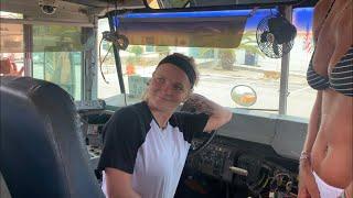 Video Teenage (18yr old) Mallie gets her 1st bus! MP3, 3GP, MP4, WEBM, AVI, FLV Juli 2019