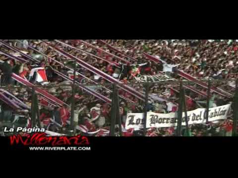"""""""Te llevamos en el corazón, te queremos ver salir campeón"""" - River Plate - Los Borrachos del Tablón - River Plate"""