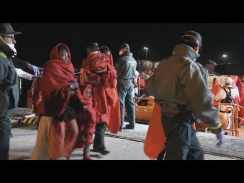 Ισπανία: Διασώθηκαν στη θάλασσα του Αλμποράν 147 μετανάστες από τρεις βάρκες
