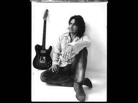 Immagine della canzone Non dovete badare al cantante di Luciano Ligabue