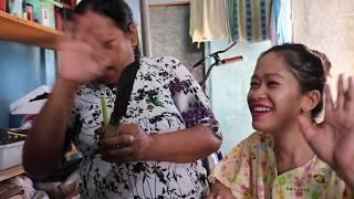 Video Blusukan Ke Rumah Tetangga Makan Sayur Kelor + Ikan Asin + Tempe Goreng + Sambal.... Surga Dunia MP3, 3GP, MP4, WEBM, AVI, FLV Juni 2019