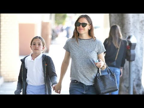 Jennifer Garner Treats Seraphina To A Mommy-Daughter Ice Cream Date!