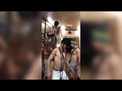 Появилось видео танца с конями в поддержку клипа курсантов