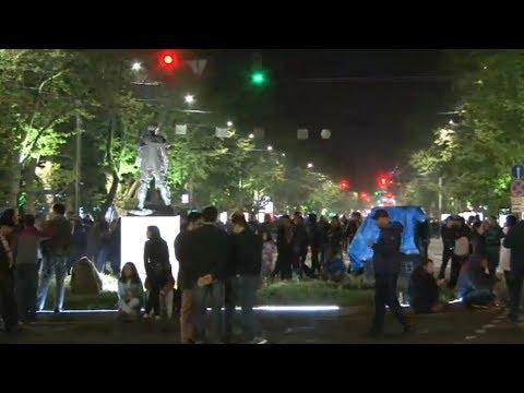 Ֆրանսիայի հրապարակում քաղաքացիները վճռական են տրամադրված - DomaVideo.Ru