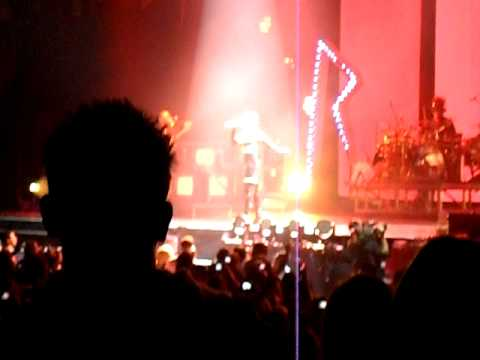 "Rihanna ""Live Your Life"" with live boob slip @ The O2 Arena. ..."
