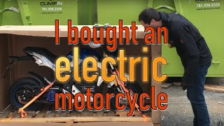 Video I bought a new $2,800 ELECTRIC motorcycle! MP3, 3GP, MP4, WEBM, AVI, FLV Juli 2019